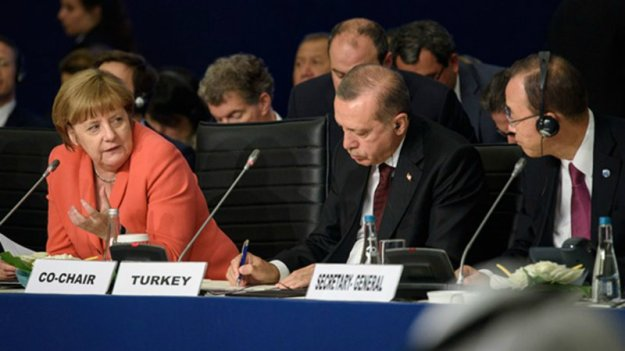 merkel-and-erdogan-at-istanbul-humanitarian-summit